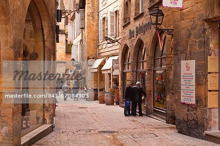 Rue de la Liberte in the old town of Sarlat la Caneda, Dordogne, France, Europe