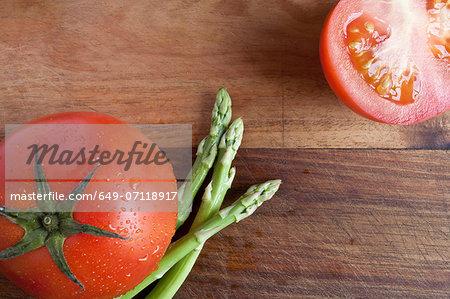 Tomato and asparagus, high angle
