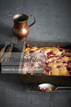 Bushberry Pudding Cake in baking pan, studio shot