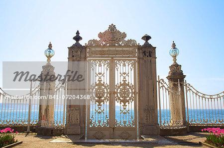 Gate to the Bosphorus, Dolmabahce Palace, Istanbul, Turkey, Europe