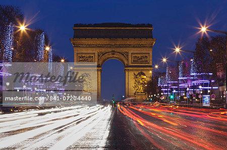 Champs Elysees and Arc de Triomphe at Christmas, Paris, Ile de France, France, Europe