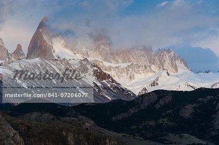 View of Mount Fitzroy (Cerro Fitz Roy) at sunrise, near El Chalten, Los Glaciares National Park, UNESCO World Heritage Site, Santa Cruz Province, Patagonia, Argentina, South America