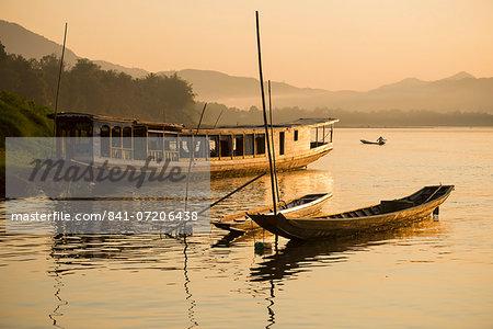 Boats on Mekong River, Luang Prabang, Laos, Indochina, Southeast Asia, Asia