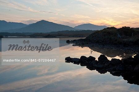 Derryclare Lough, Connemara, County Galway, Connacht, Republic of Ireland, Europe