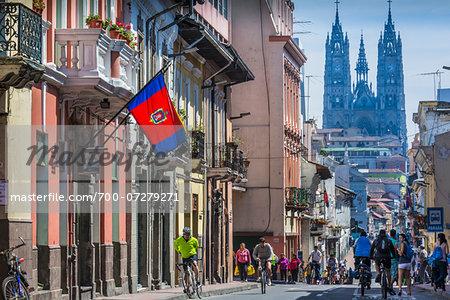 Sunday Cycleway along Venezuela Avenue leading to Basilica del Voto Nacional, Old Town, Quito, Ecuador