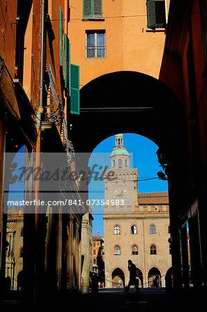 View of Palazzo Comunale on the Piazza Maggiore, from the Via Clavature, Bologna, Emilia-Romagna, Italy, Europe