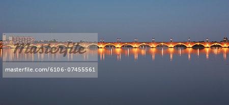 The 'Pont de Pierre' bridge in Bordeaux