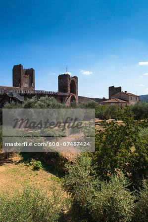 View of walled city, Monteriggioni, Chianti Region, Province of Siena, Tuscany, Italy