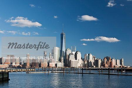 Hudson River and Lower Manhattan Skyline with World Trade Center and One World Trade Center (Freedom Tower), New York City, New York, USA