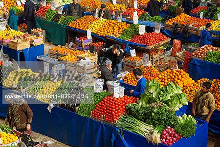 Fruit and vegetable market, Konya, Central Anatolia, Turkey, Asia Minor, Eurasia