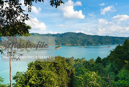 Lake Batang Ai, Batang Ai National Park, Sarawak, Malaysian Borneo, Malaysia, Southeast Asia, Asia