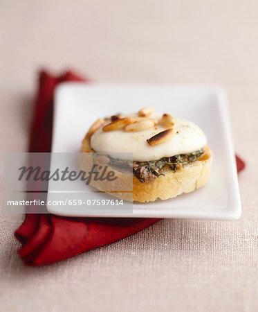 Crostini con le sarde (toasted bread with anchovies and mozzarella)