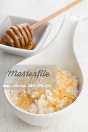Porridge with honey