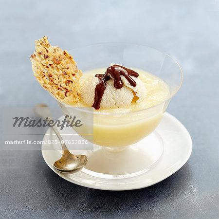 Pear Belle-Hélène-style cream dessert