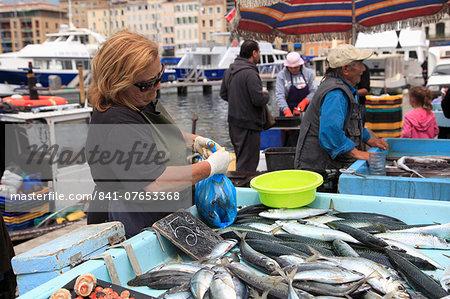 Fish Market, Vieux Port (Old Port), Harbor, Marseille, Bouches du Rhone, Provence Alpes Cote d Azur, Provence, France, Europe