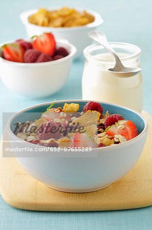 Muesli with summer fruit