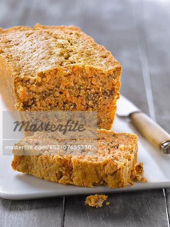 Carrot-cinnamon cake