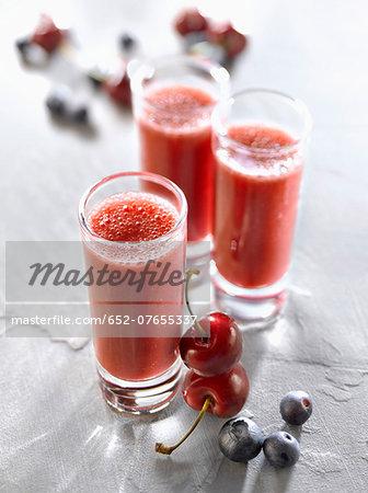 Cherry-blueberry smoothies