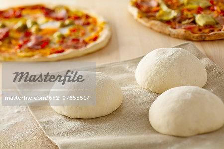 Pizza dough balls