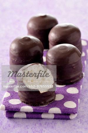 Chocolate coated meringues