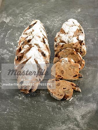 Rye bread with raisins and walnuts