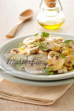 Thinly sliced button mushroom salad