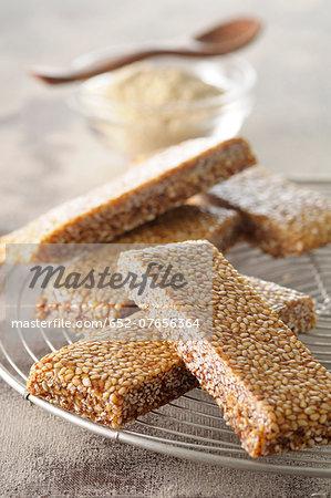 Crunchy sesame seed bars
