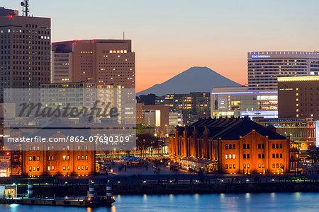 Asia, Japan, Honshu, Yokohama Bay, city skyline and Mt Fuji
