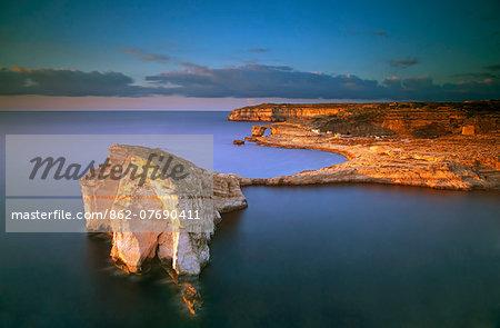 Europe, Maltese Islands, Gozo. Dramatic scenery in Dwejra