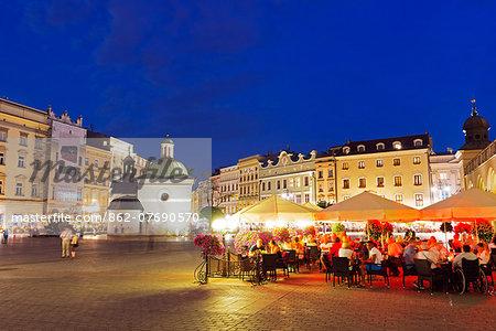 Europe, Poland, Malopolska, Krakow, Rynek Glowny, town square, Unesco site
