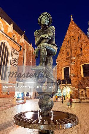 Europe, Poland, Malopolska, Krakow, fountain statue of a Student, popular name Zak, Unesco site