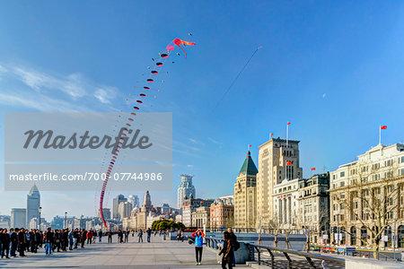 Kite flying along the promenade, 1920's Colonial Buildings beside the Huangpu River, The Bund, Shanghai, Shanghai Shi, Zhonghua, China