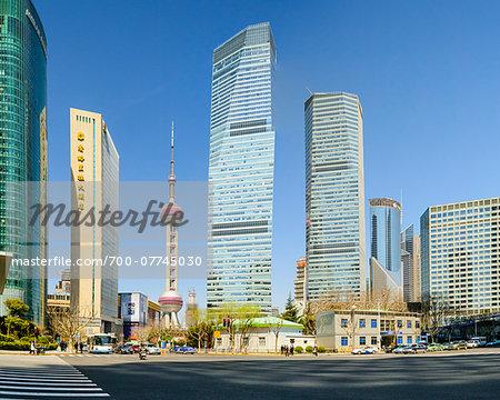 Lujiazui financial district with the Oriental Pearl Tower, Pudong, Shanghai, Shanghai Shi, Zhonghua, China