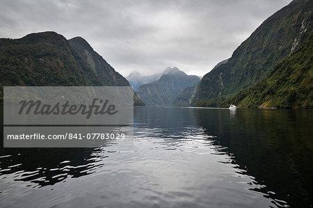 Doubtful Sound, Fiordland National Park, UNESCO World Heritage Site, South Island, New Zealand, Pacific