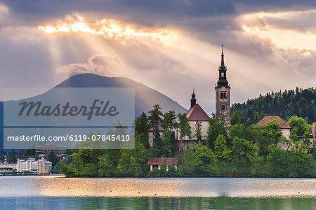 Lake Bled sunrise landscape, showing Lake Bled Church on the Island, Gorenjska Region, Slovenia, Europe