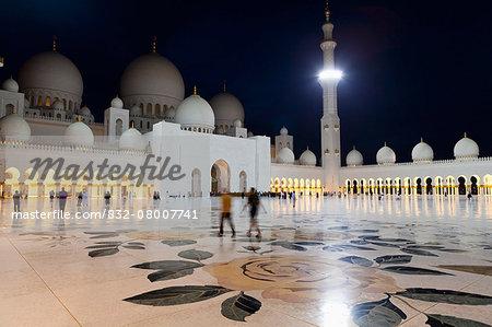 Sheikh Zayed Grand Mosque at night; Abu Dhabi, United Arab Emirates