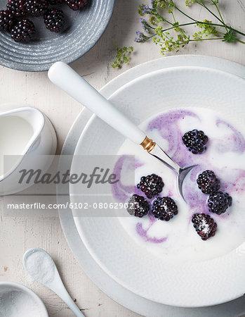 Blackberries with cream