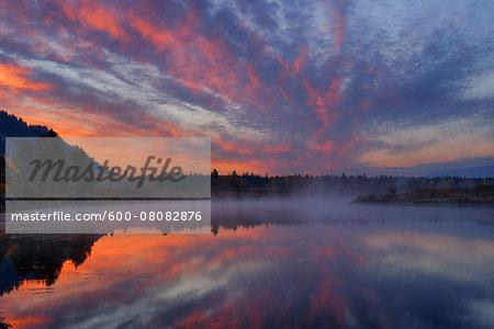 Snake River at Sunrise near Oxbow Bend, Grand Teton National Park, Wyoming, USA