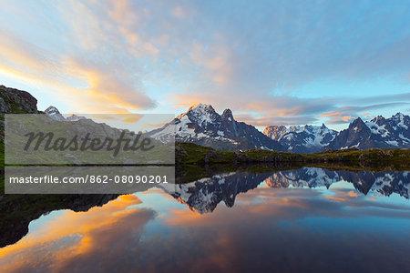 Europe, France, Haute Savoie, Rhone Alps, Chamonix, Lacs des Cheserys at dawn