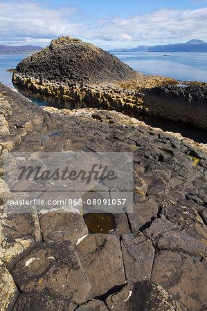 Europe, United Kingdom, Scotland, Staffa, Fingal's Cave, hexagonal basalt rock formations on the island