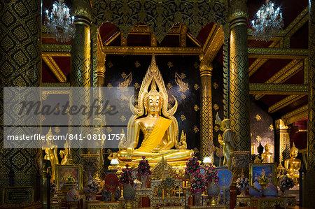The sacred Phra Buddha Chinnarat Buddha in the temple of Wat Phra Si Rattana Mahathat Woramahawihan (Wat Yai) in Phitsanulok, Thailand, Southeast Asia, Asia