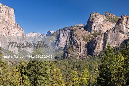 El Capitan rising above Yosemite Valley from Tunnel View, Yosemite National Park, UNESCO World Heritage Site, California, United States of America, North America