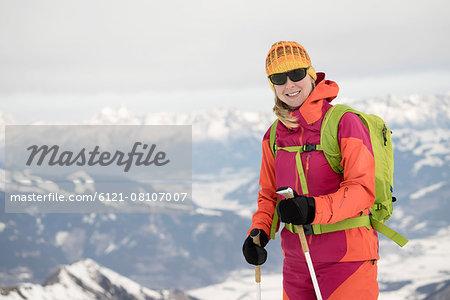 Young woman skiing, Kitzsteinhorn, Zell Am See, Austria