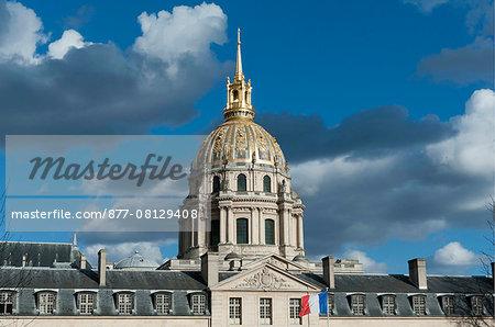 France. Paris 7th district. Invalides. The dome of the Church Saint Louis des Invalides built between 1677 and 1706. Architect: Jules Hardouin-Mansart.