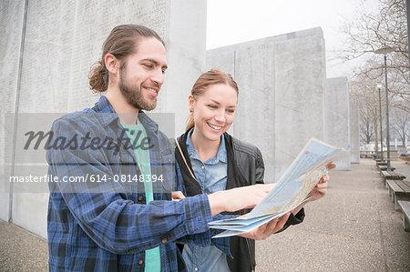 Couple map-reading, New York, New York, USA