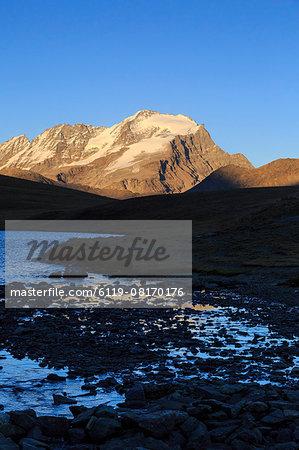 View of Colle del Nivolet, Gran Paradiso National Park, Alpi Graie (Graian Alps), Italy, Europe
