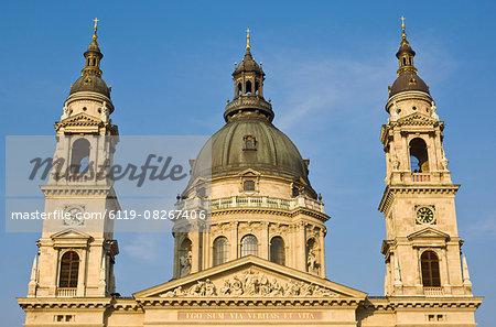 Dome of St. Stephen's basilica (Szent Istvan Bazilika), Budapest, Hungary, Europe
