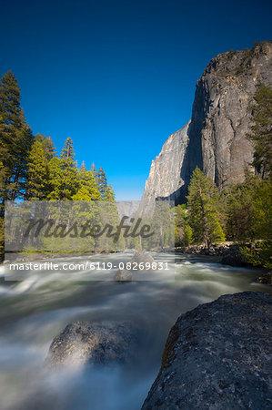 Merced River, Yosemite National Park, UNESCO World Heritage Site, California, United States of America, North America