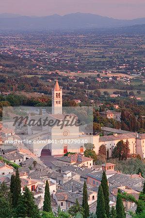 View over Assisi to Santa Chiara Basilica at sunset, Assisi, Perugia District, Umbria, Italy, Europe