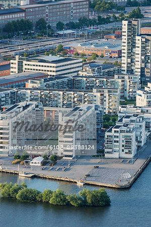 Aerial vie of waterfront houses